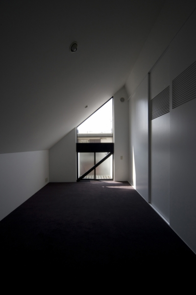 若夫婦寝室 (狭小二世帯住宅 OUCHI-01)