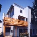 狭小地に建つバリアフリー木造3階/Suさんの家