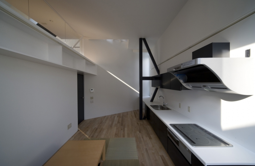 オウチ01・狭小二世帯住宅の部屋 親世帯キッチン
