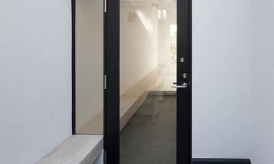 インナーバルコニーのある家 OUCHI-25 (玄関ポーチ)