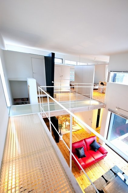 建築家:森 大樹/小埜勝久「ビルトインガレージ、吹抜けブリッジの家」