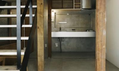 八広の家 (玄関キッチン)