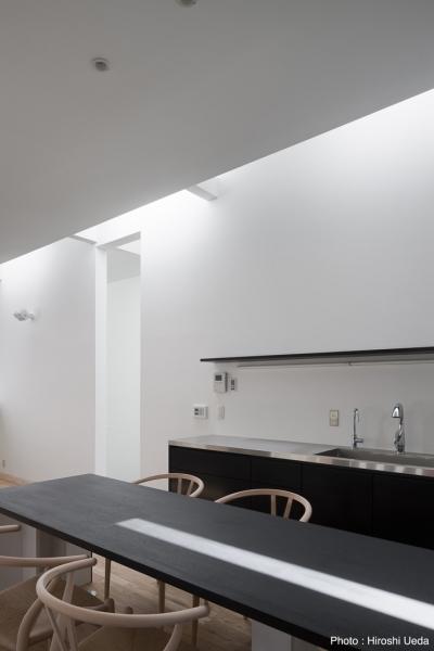 オーダーキッチン (オウチ25・インナーバルコニーの家)