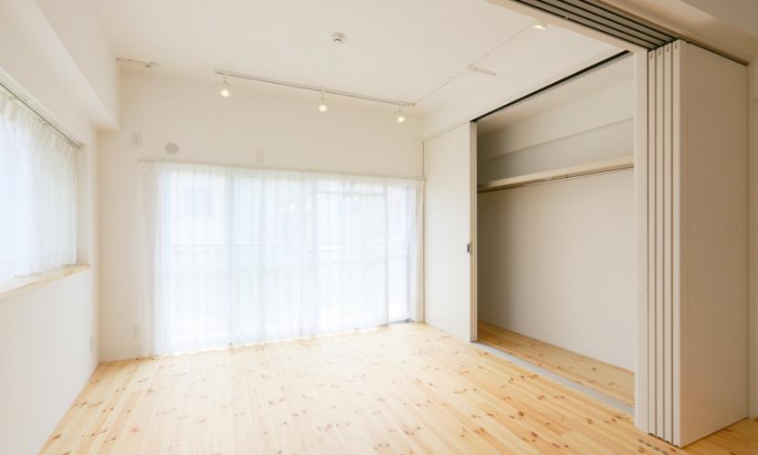 主人公のアパートの部屋 寝室