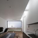 インナーバルコニーのある家 OUCHI-25の写真 リビングダイニング・トップライトからの光