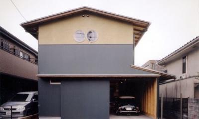 生成りのビルトインガレージハウス (正面外観)