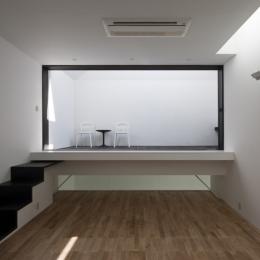 オウチ25・インナーバルコニーの家 (リビングダイニング)