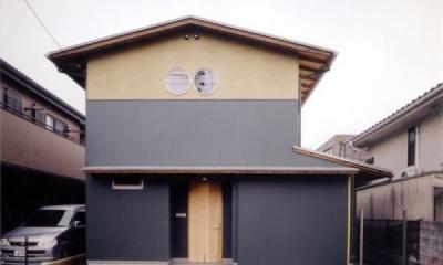 生成りのビルトインガレージハウス