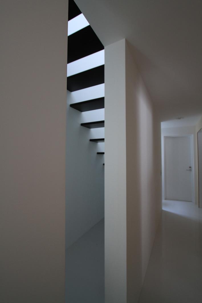 オウチ25・インナーバルコニーの家の部屋 動線