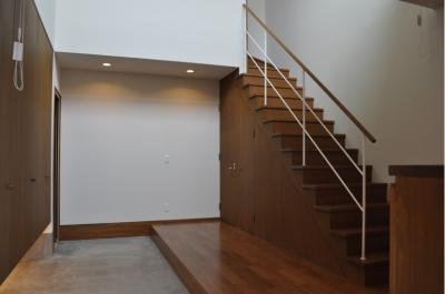 玄関ホール階段 (Sハウス)
