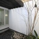 インナーバルコニーのある家 OUCHI-25の写真 浴室の光庭