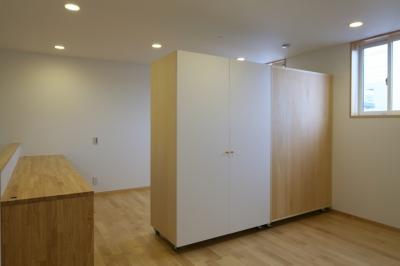 子供スペースと可動式収納 (Mハウス)