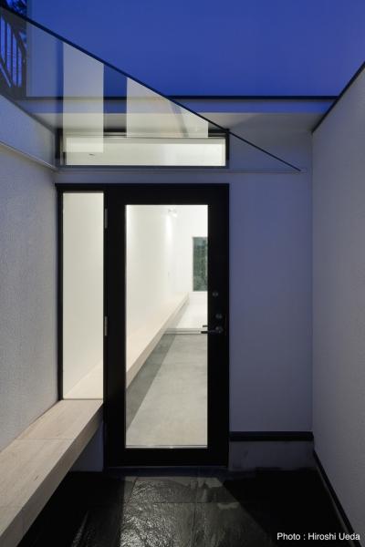 インナーバルコニーのある家 OUCHI-25 (玄関)
