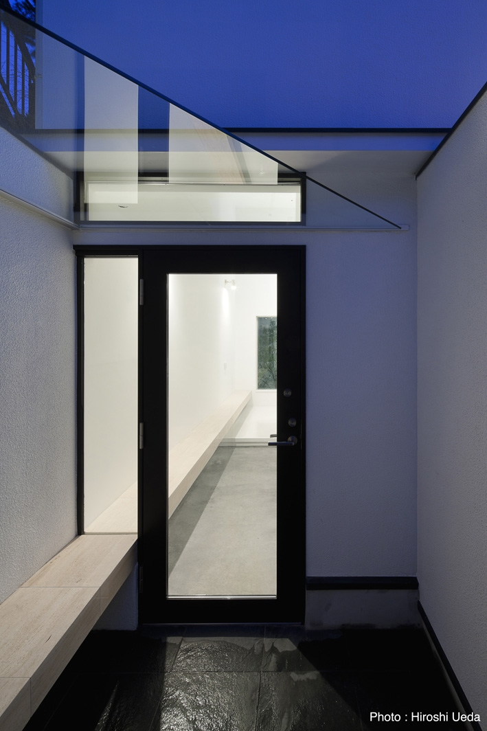 オウチ25・インナーバルコニーの家の部屋 玄関