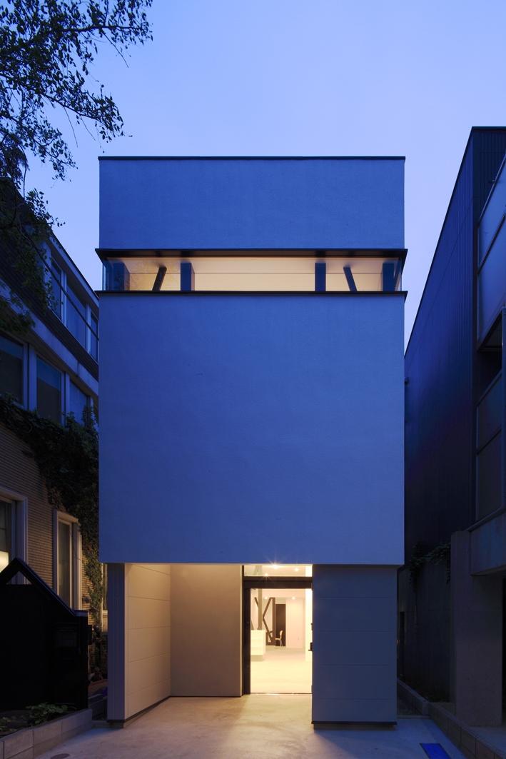 ハコノオウチ01・版画アトリエのある家 (外観夕景)