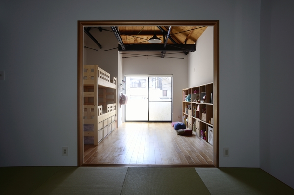 62.石川町の部屋の写真 部屋続き子供部屋