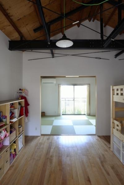 子供部屋から見た奥の部屋 (62.石川町の部屋)