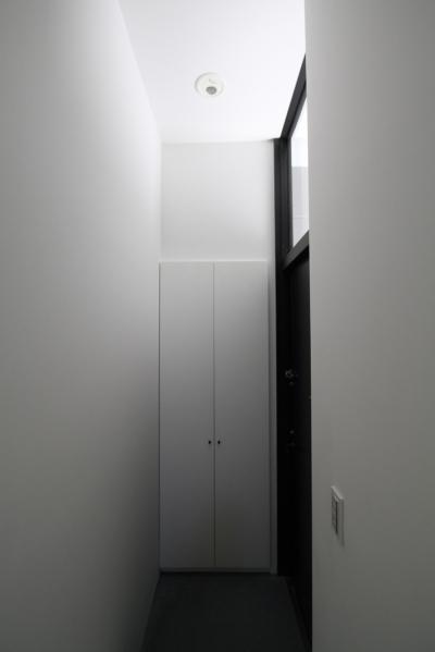玄関 (ハコノオウチ01・版画アトリエのある家)