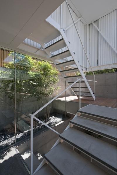 階段 (PATIO)