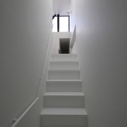 玄関からのアプローチ