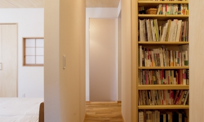 G邸・築60年の風合を新しい型で受け継ぐ (廊下)