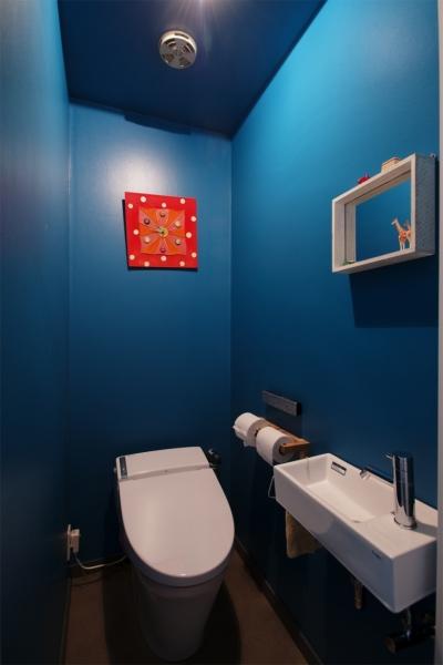 トイレ (K邸・マンションでもノスタルジーを感じる住まいに)