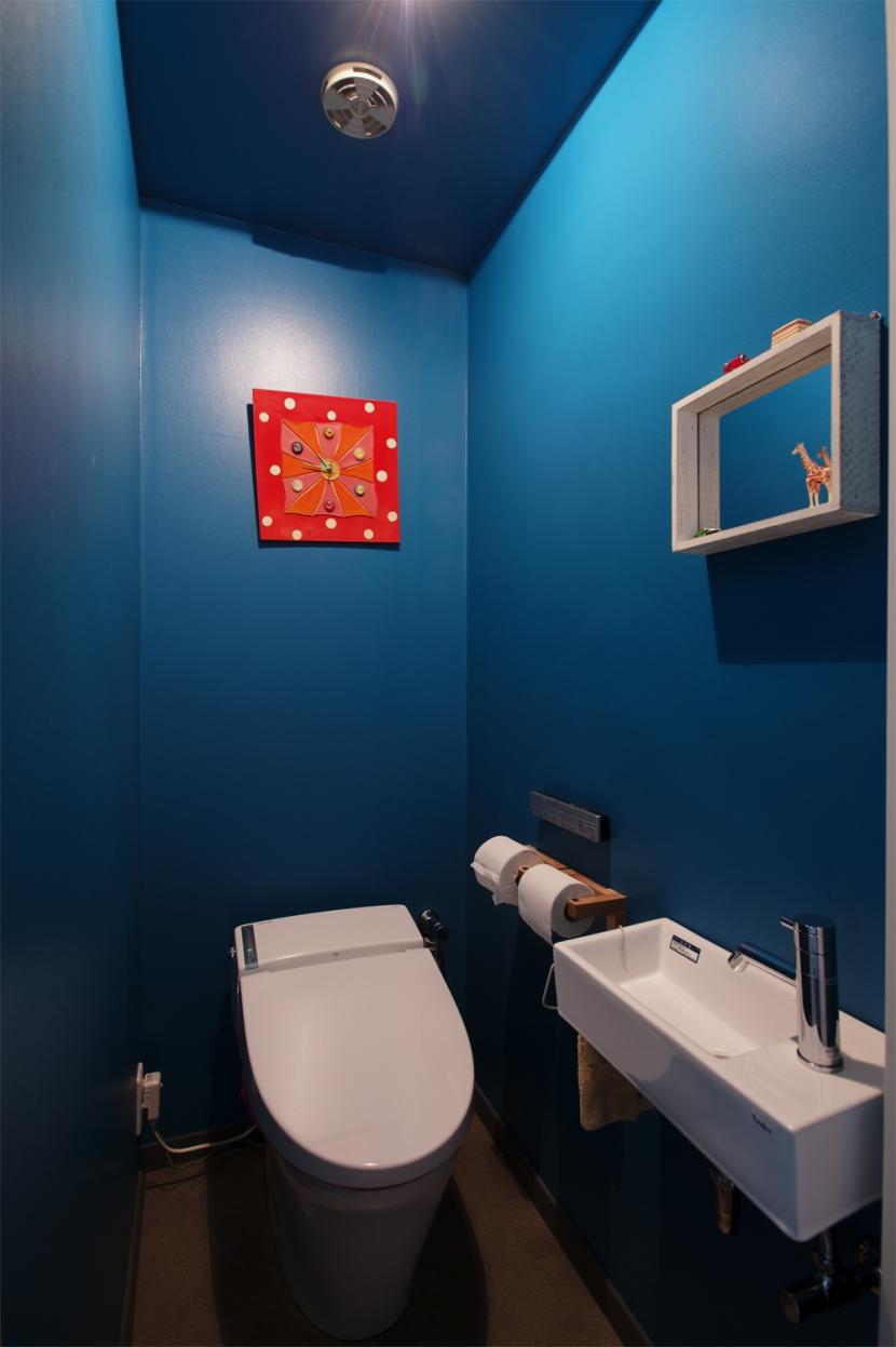 K邸・マンションでもノスタルジーを感じる住まいにの部屋 トイレ