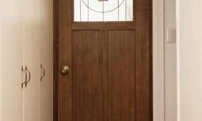 K邸・マンションでもノスタルジーを感じる住まいに (ドア)