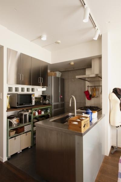 キッチン (K邸・マンションでもノスタルジーを感じる住まいに)