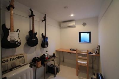 趣味室 (ハコノオウチ01・版画アトリエのある家)
