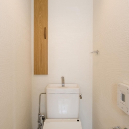 KU邸・木のぬくもりを感じる家 (トイレ)