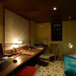 家具や長く愛用してきたものと過ごす、書斎空間