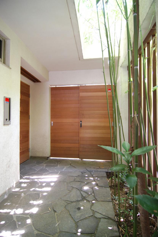都市型住宅-自然を取り込む (緑と光のアプローチ)