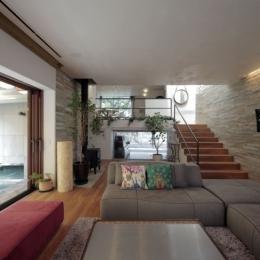 深沢S邸-空間が連続し家族が繋がる立体回遊プラン-