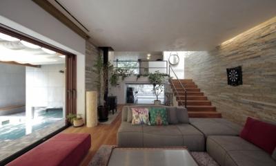 深沢S邸-空間が連続し家族が繋がる立体回遊プラン- (リビング)