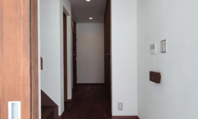 木造耐火構造の町屋~狭小地3階建ての住まい~ (玄関・ホール)