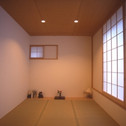 都市型中庭住宅-コンクリートと木でつくるモダンな和 (寝室)