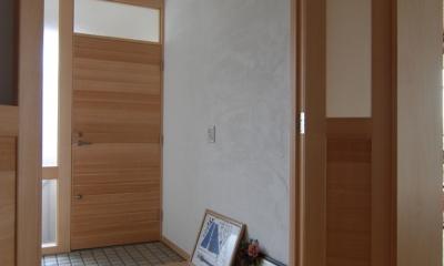 2世帯の程よい距離 (別世帯玄関で2世帯の程よい距離をつくる)