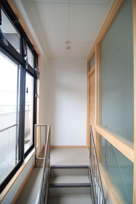 2世帯の程よい距離の写真 2世帯の程よい距離をつくる外階段