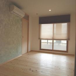 壁塗りDIYの寝室