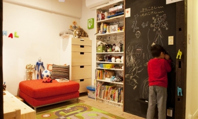キッズスペース|N邸・大人も子どもも元気にワクワク遊ぶ家