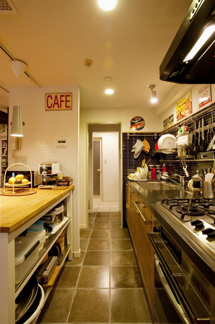 N邸・大人も子どもも元気にワクワク遊ぶ家の写真 キッチン