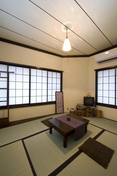 2F和室 (I邸・昭和レトロ喫茶風)