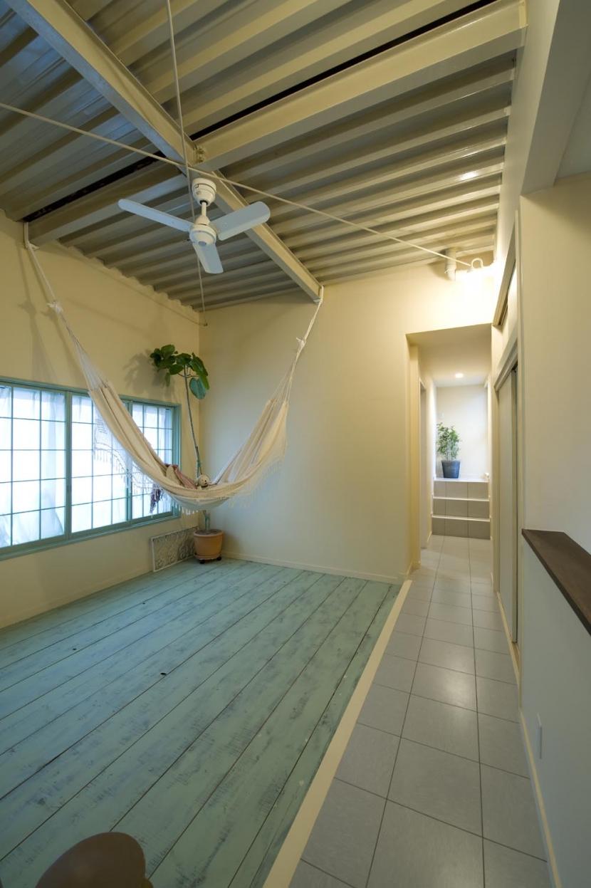 I邸・昭和レトロ喫茶風の部屋 2F廊下(多目的スペース)
