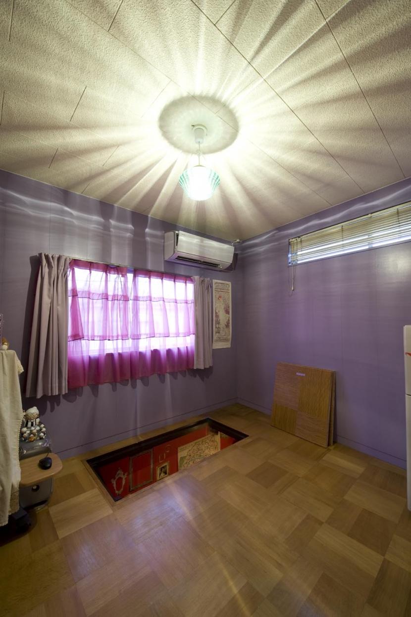 I邸・昭和レトロ喫茶風の部屋 2F洋室