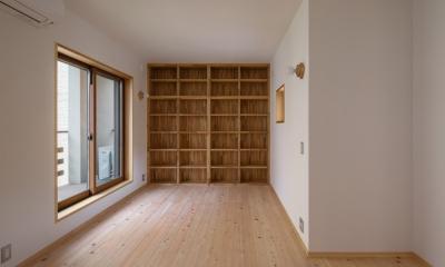 木造耐火でつくる木の住まい~国産材でつくる~ (寝室の書斎コーナー)