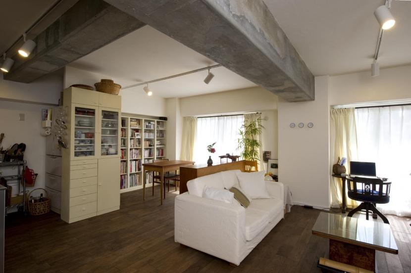 リフォーム・リノベーション会社:スタイル工房「nr邸・アンティークな家具たちが映えるお部屋に」