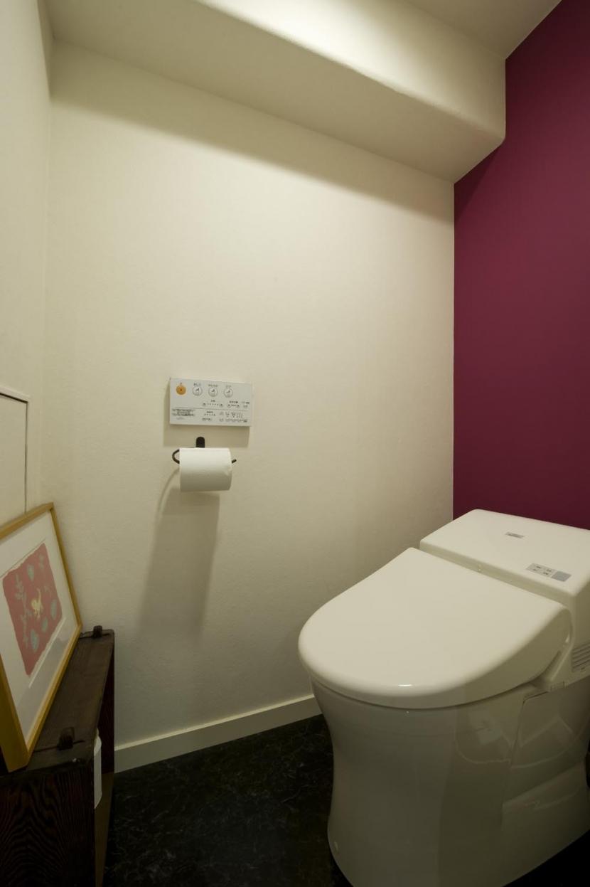 nr邸・アンティークな家具たちが映えるお部屋にの写真 トイレ