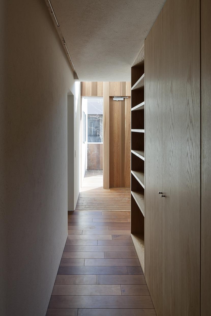 対のいえの部屋 廊下2