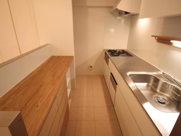 ANP~ラフな白ブリックタイルも~の部屋 キッチン